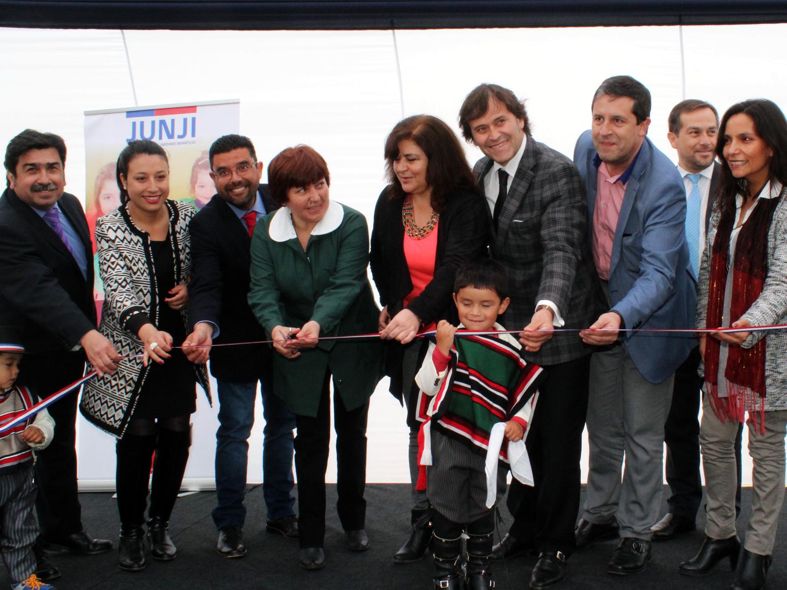 Junji inaugur jard n infantil creciendo entre poetas de for Postulacion jardin junji 2016